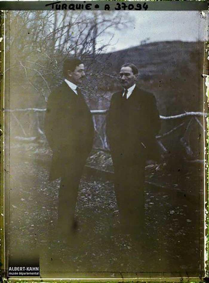 Atatürk'ün Renkli Çekilen İlk Fotoğrafları