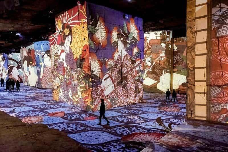 Carrières de Lumières: Taş Ocağındaki Sanat Galerisi