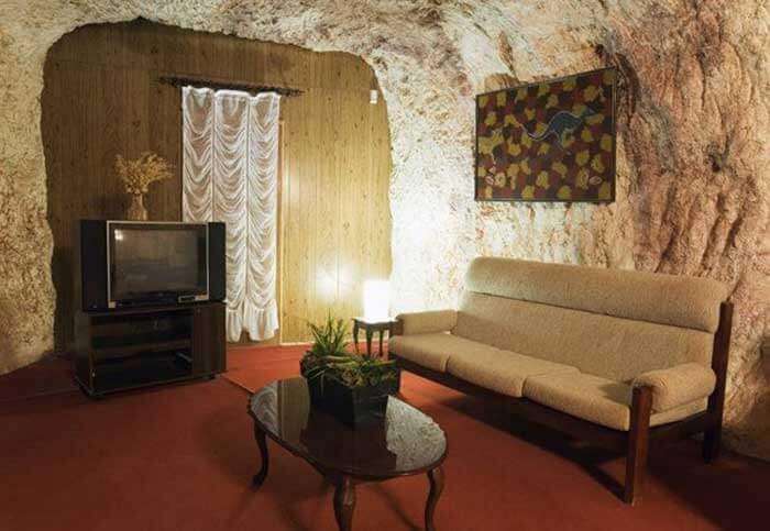 Desert Cave: Çölün Ortasındaki Kapı