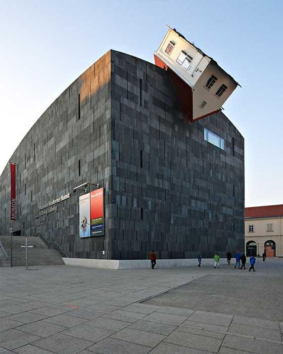 Dünyanın En İlginç Binaları