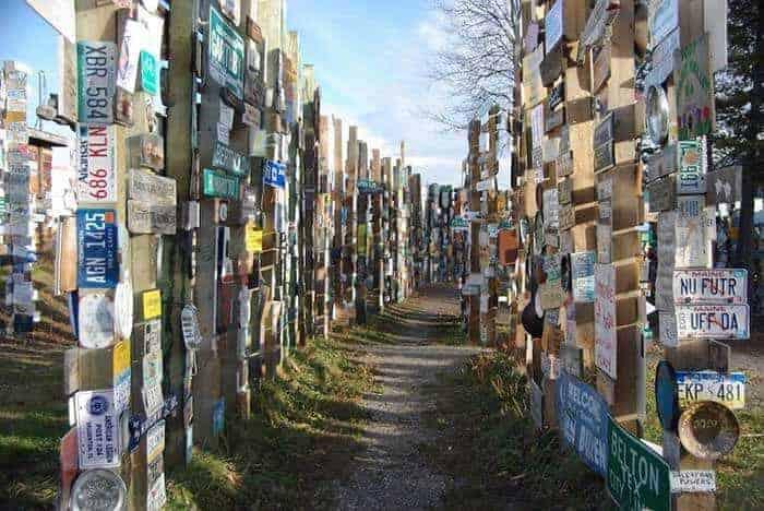 Gezginlerin Tabela Ormanı: Sign Post Forest 1